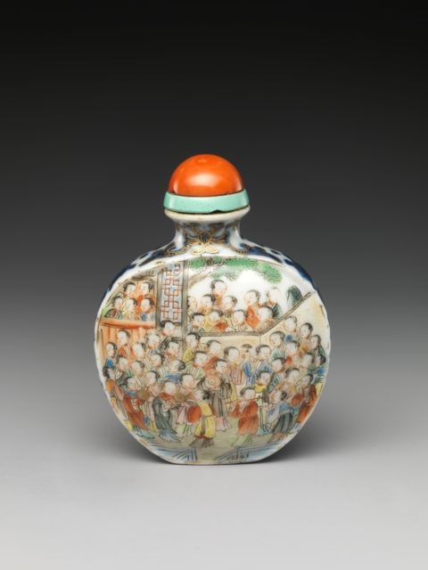 Snuff Bottle with Hundred Beauties