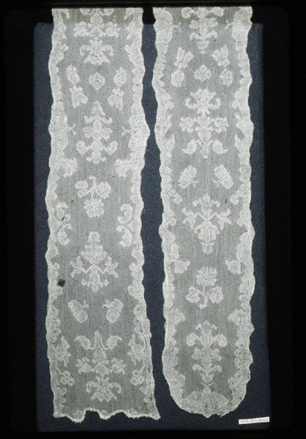 Two joined lappets