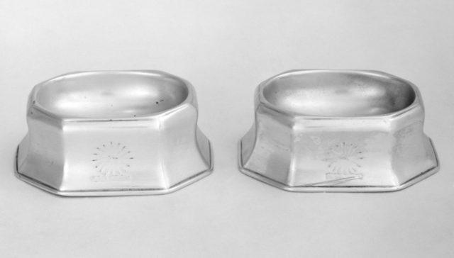 Pair of salt trenchers