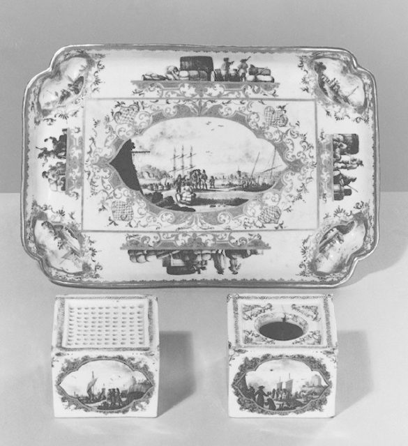 Tray (part of an inkstand)