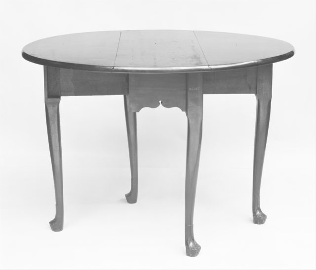 Drop-leaf Dining Table