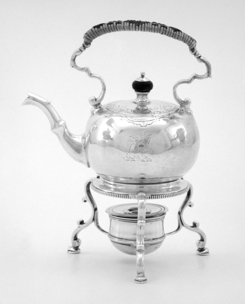 Miniature kettle and stand