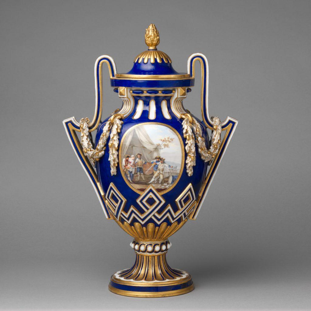 Vase with cover (vase à bâtons rompus)