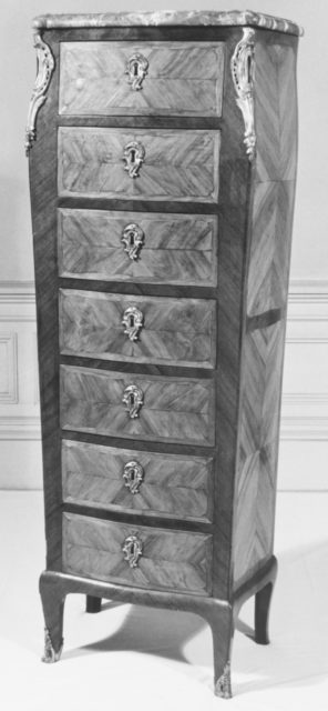 Chest (chiffonier) (one of a pair)