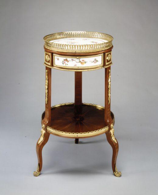 Louis XV circular marquetry and bronze dore table de salon