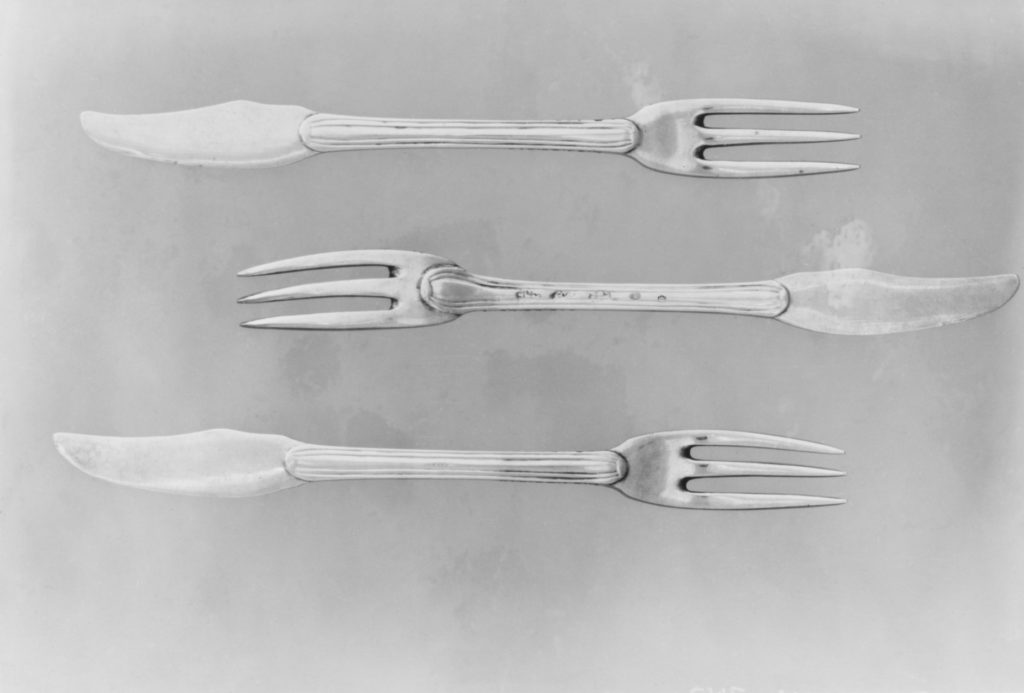 Fork with knife handle (one of six)