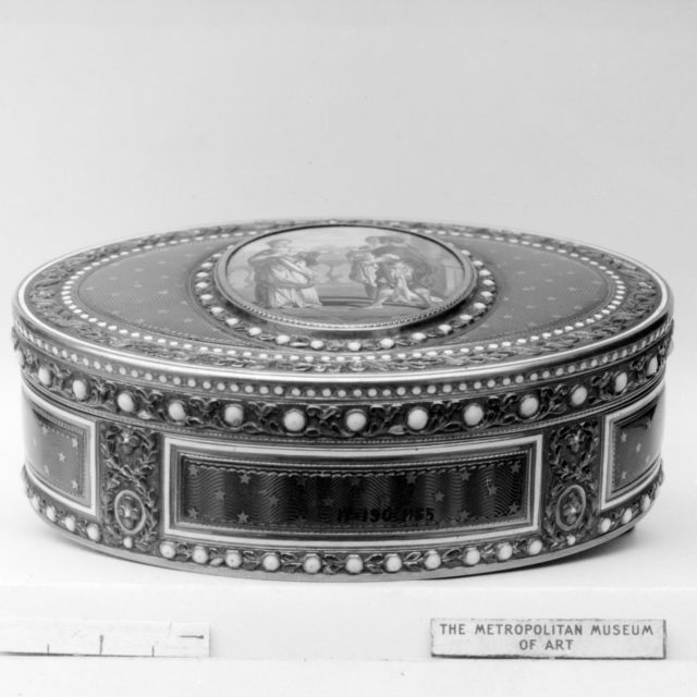 Snuffbox with miniature depicting a classical subject