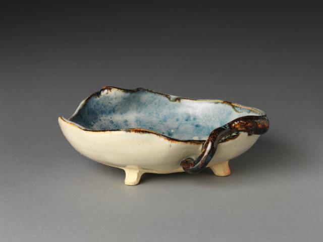Bowl with paulownia leaf design