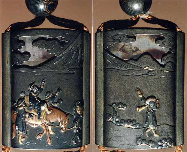 Case (Inrō) with Design of Foreigners on Horseback Looking at Mount Fuji