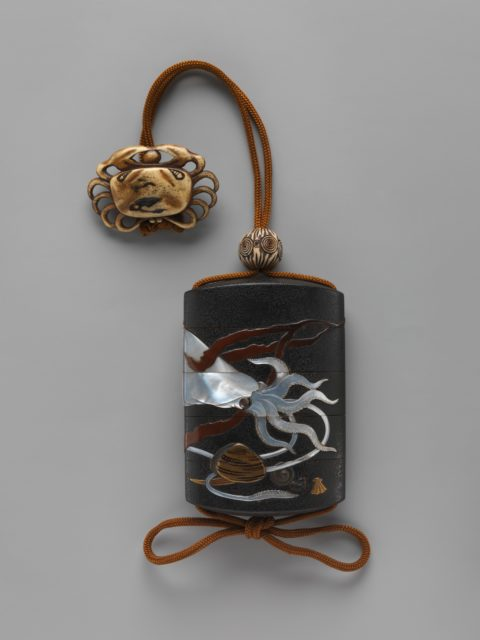 Case (Inrō) with Design of Squid, Shells and Seaweed