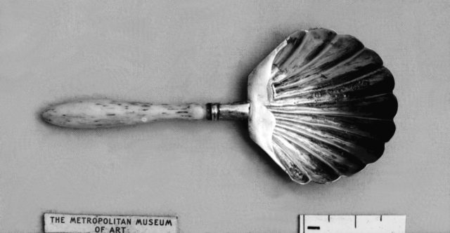 Caddy spoon