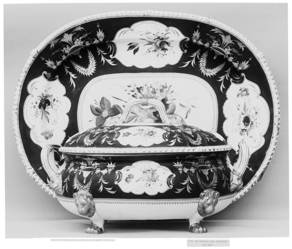 Platter and tureen
