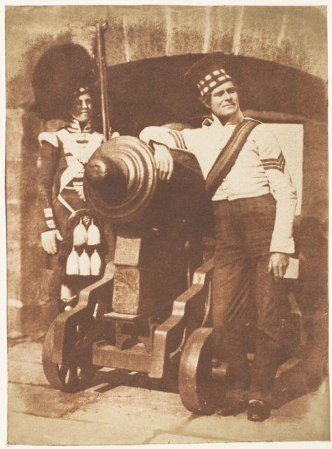 The Porthole / Sergeant and Private of the 42nd Gordon Highlanders, Edinburgh Castle