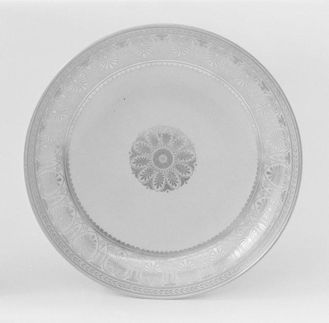 Saucer (part of a service)