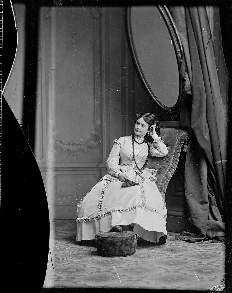 Agnes Robinson, actress