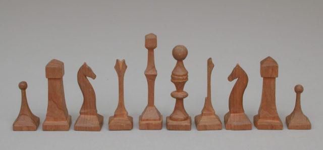 Chessmen (30) and box