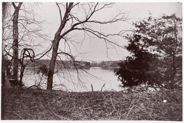 Confederate Prisoners for Exchange, Cox's Landing, James River