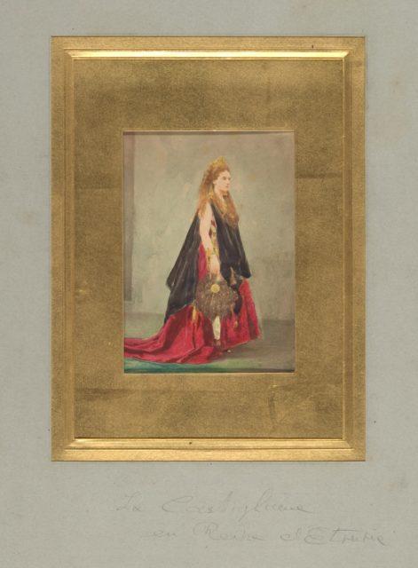 [Countess de Castiglione as the Queen of Etruria]