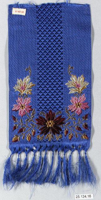 Woman's necktie