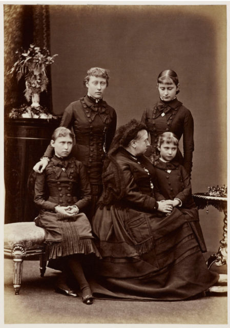 Queen Victoria with the Princesses Victoria, Elizabeth, Irene, and Alix of Hesse, 1879