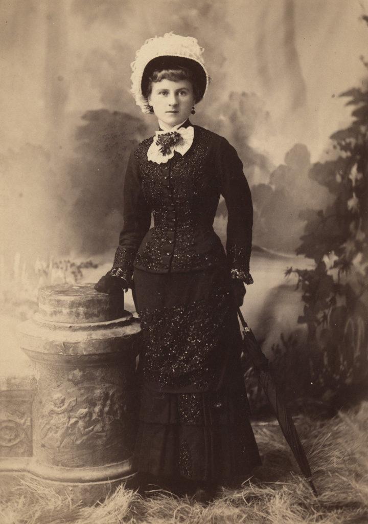 Портрет восемнадцатилетней Элизабет Саллоуз Брофи, дата неизвестна