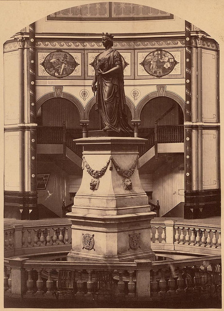 Queens Statue, Garden Palace Building, Sydney, between 1879-1882 / [NSW Government Printer ?]