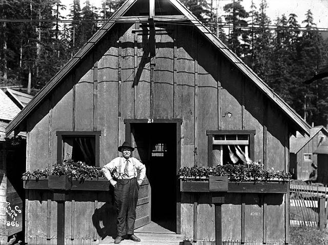 Worker's cabin, Scenic, Washington