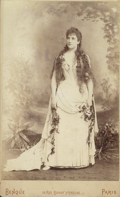 "Nellie Melba as Ophelie in Thomas's ""Hamlet"", ca. 1889-1890 / photographer Benque, Paris"