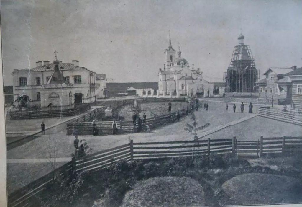 Monastic buildings, including the St. Nicholas Church. Sura on the Sura River. Archangel region, 1891