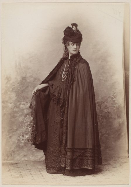 Madame Douane