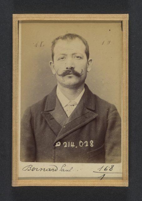 Bernard. Paul, Auguste. 32 ans, né à Crest (Drôme). Employé. Excitation au meurtre, anarchiste. 11/2/94.