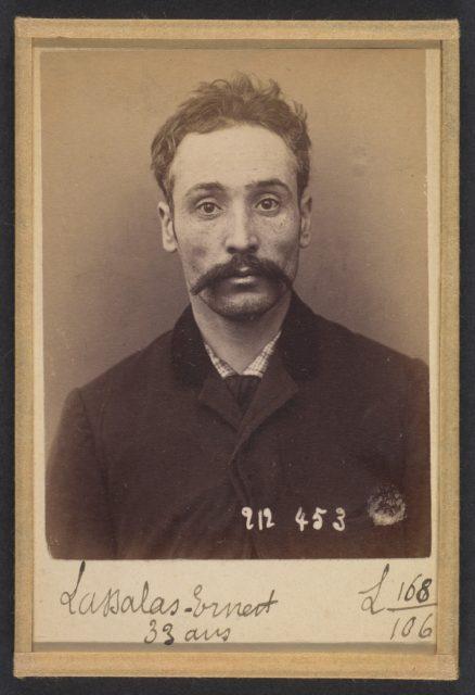 Lassalas. Ernest, Auguste. 33 ans, né à Paris IVe. Ébéniste. Anarchiste. 2/1/94
