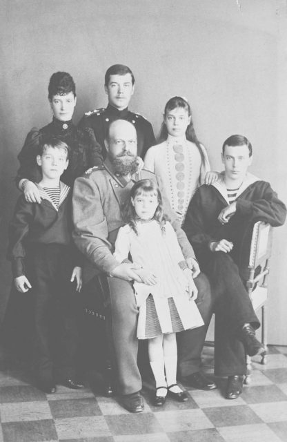 Alexander III with Empress Maria Feodorovna and kids