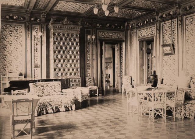 Living room in the Imperial Hunting Belovezh Palace.