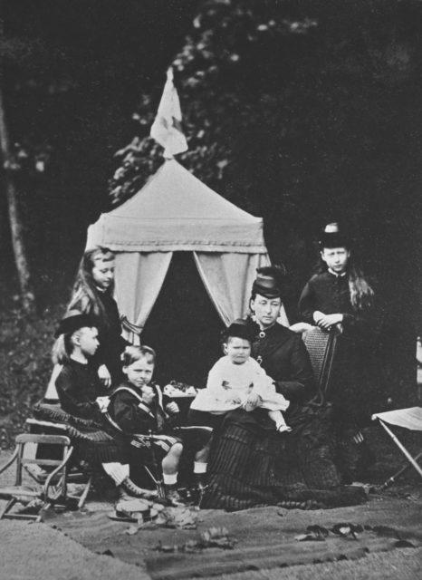 Princess Victoria Alisa Elena Louise Beatrice Hesse-Darmstadt. Empress Alexandra Feodorovna