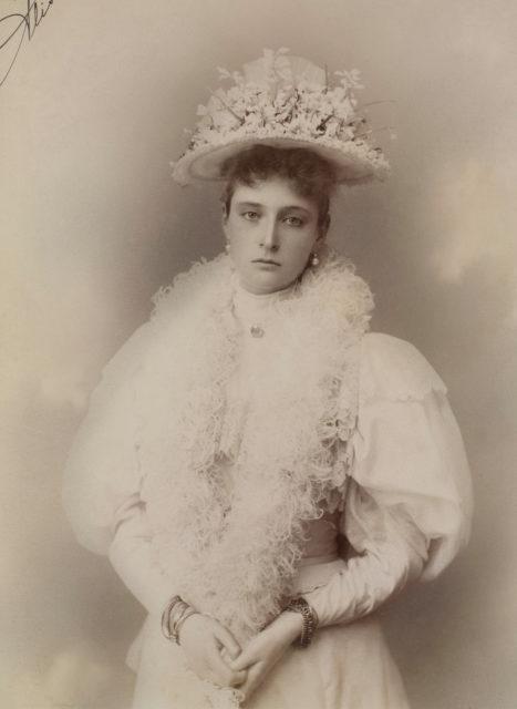 Alexandra Feodorovna, Empress of Russia (1872-1918)  1895