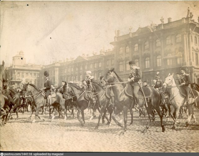 Petersburg, parade, a review against the background of the Winter Palace, 1895-1900, Gan & Co. photo studio