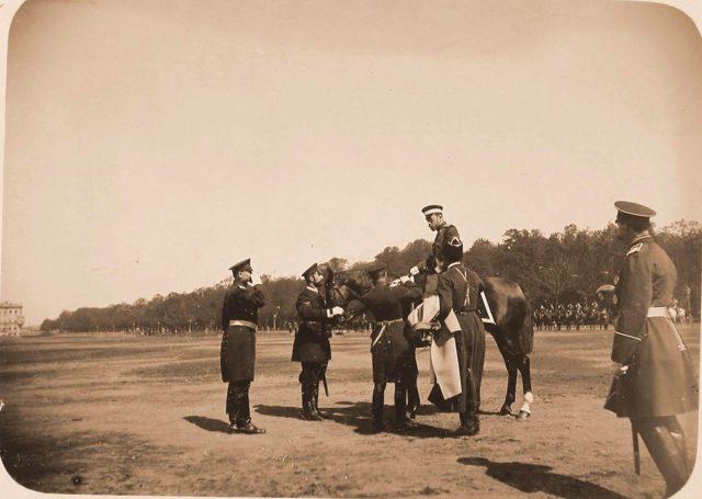 A review of the cavalry regiments on the Tsarskoe selo meadow (In remembrance on April 15, 1896). -  Смотр кавалерийских полков на Царицыном лугу (В воспоминание 15 апреля 1896 года)