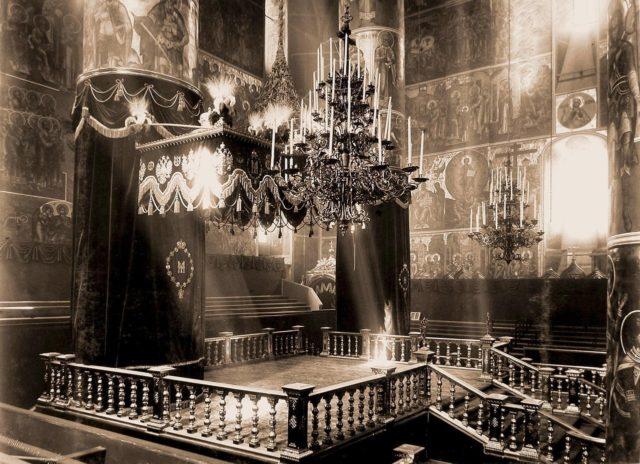 Coronation place in Uspenskiy cathedral - Emperor Nicholas II and Empress Alexandra Feodorovna, 1896