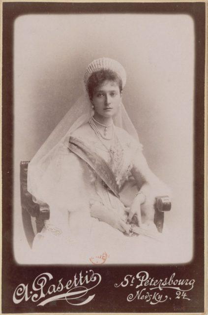 Empress of Russia Alexandra Feodorovna, Passetti
