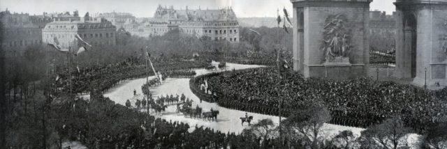 Panorama of the entrance of the imperial couple to Paris - Nicholas II, Empress Alexandra Feodorovna, Paris, 1896