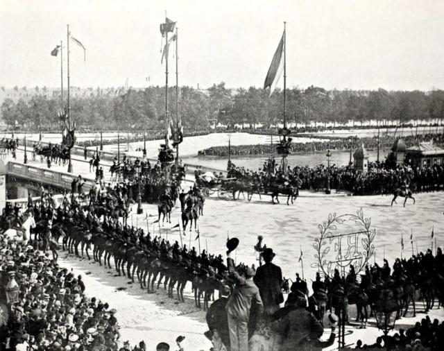Pont de la Concorde. Paris. Visit of Emperor Nicholas II and Empress Alexandra Feodorovna to France