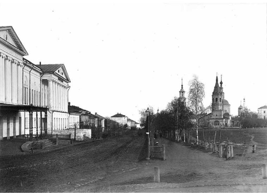 Vladimir - Bolshaya Nizhegorodskaya Street.