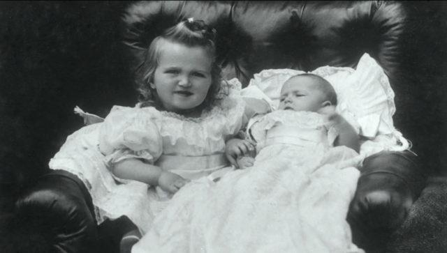 Grand duchesses Olga and Tatiana.1897.