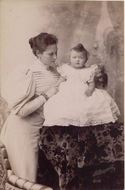 Empress of Russia Alexandra Feodorovna, Grand duchess Olga