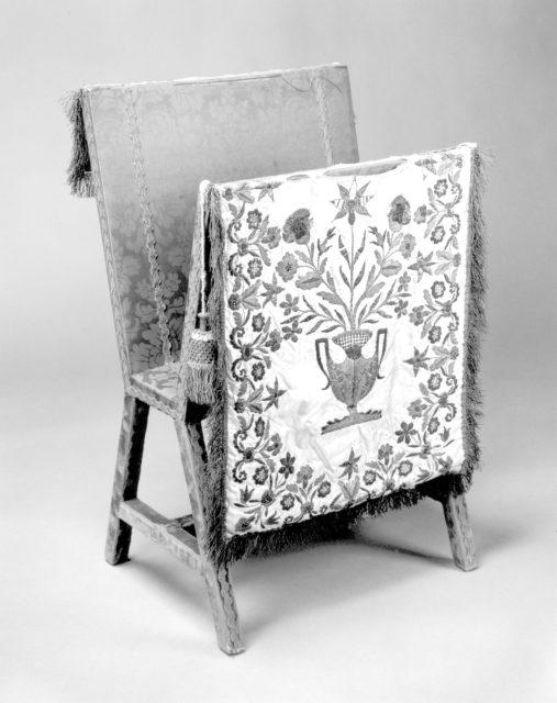Portfolio stand and cover