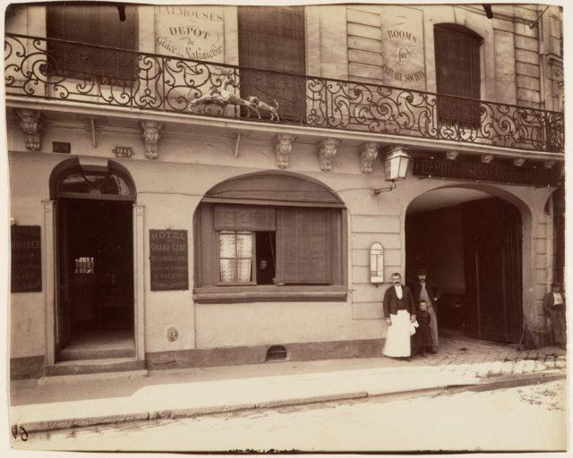 St. Denis, Ancien Relais de la Poste d'Ecouen, Hôtel du Grand Cerf