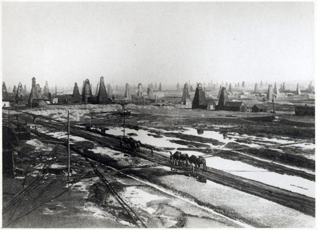 Baku, Balakhani. Oil production.