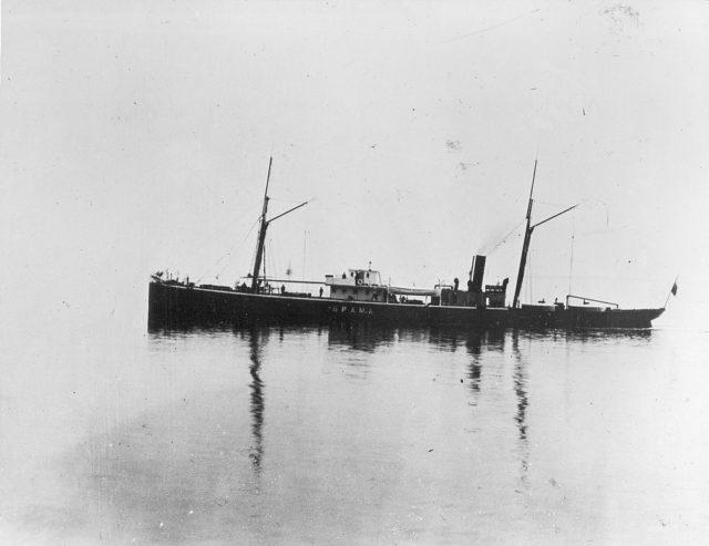 Brama Steamer on the Baku sea route