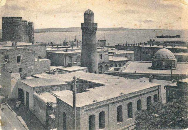 Dark row - Old Quarter of Baku